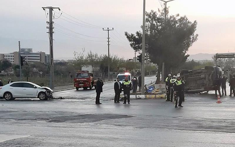 Yenişehir'de kaza: 10 yaralı