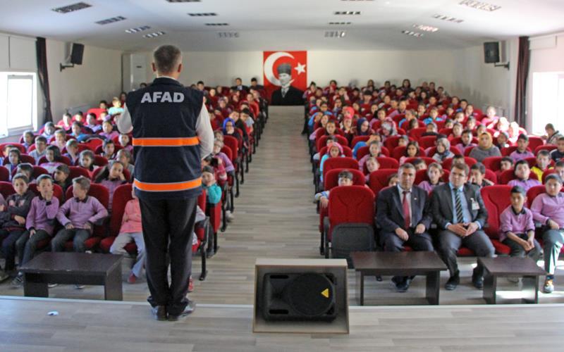 AFAD'dan 11 bin 500 kişiye afet eğitimi