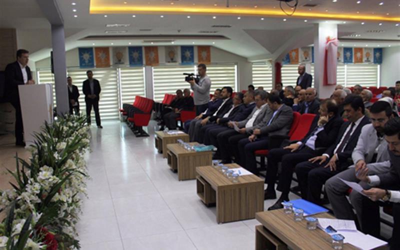 AK Parti'de referandum bilgilendirme toplantısı