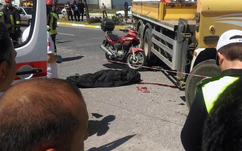 Motosiklet vince çarptı: 1 ölü