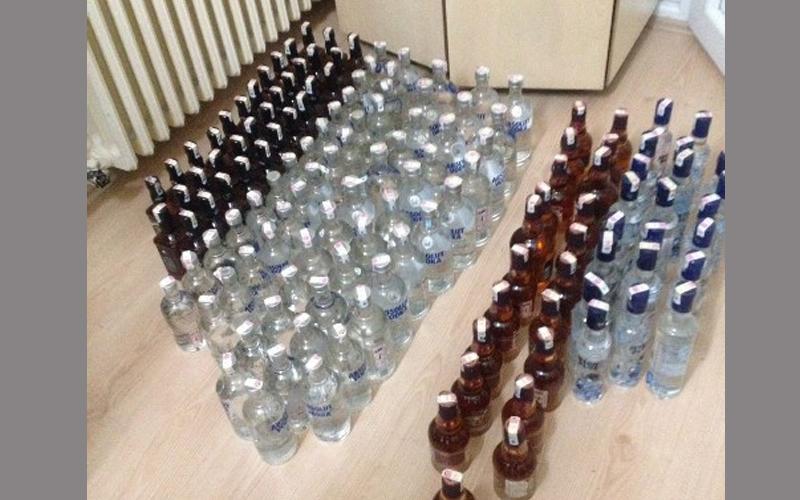 Otelden 20 bin liralık içki çaldılar