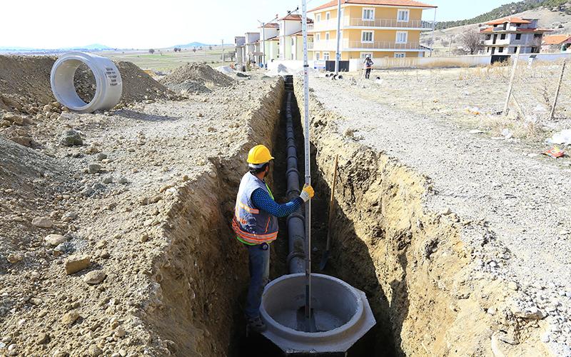 Çardak'a 7,5 km kanalizasyon hattı