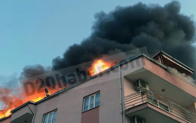 Elektrik kontağından yangın çatı katını kül etti