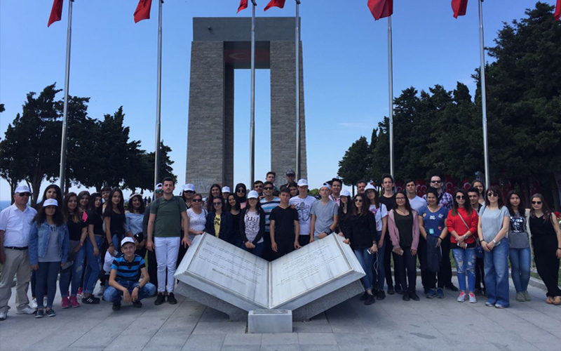 Özbaş'tan öğrencilere gezi jesti