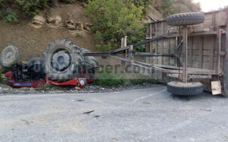 Kale'de traktör devrildi: 2'si çocuk 4 yaralı