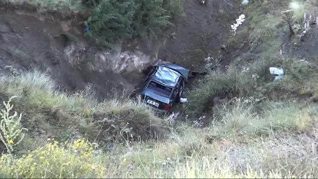 Otomobil Honaz Kalesi'nden uçtu: 1 ölü, 2 yaralı