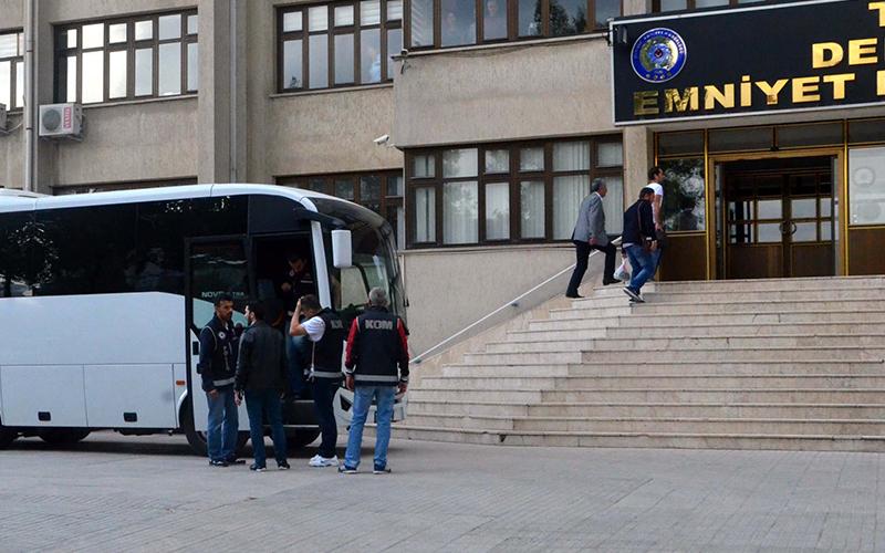 FETÖ'nün mahrem imamlarına 14 tutuklama