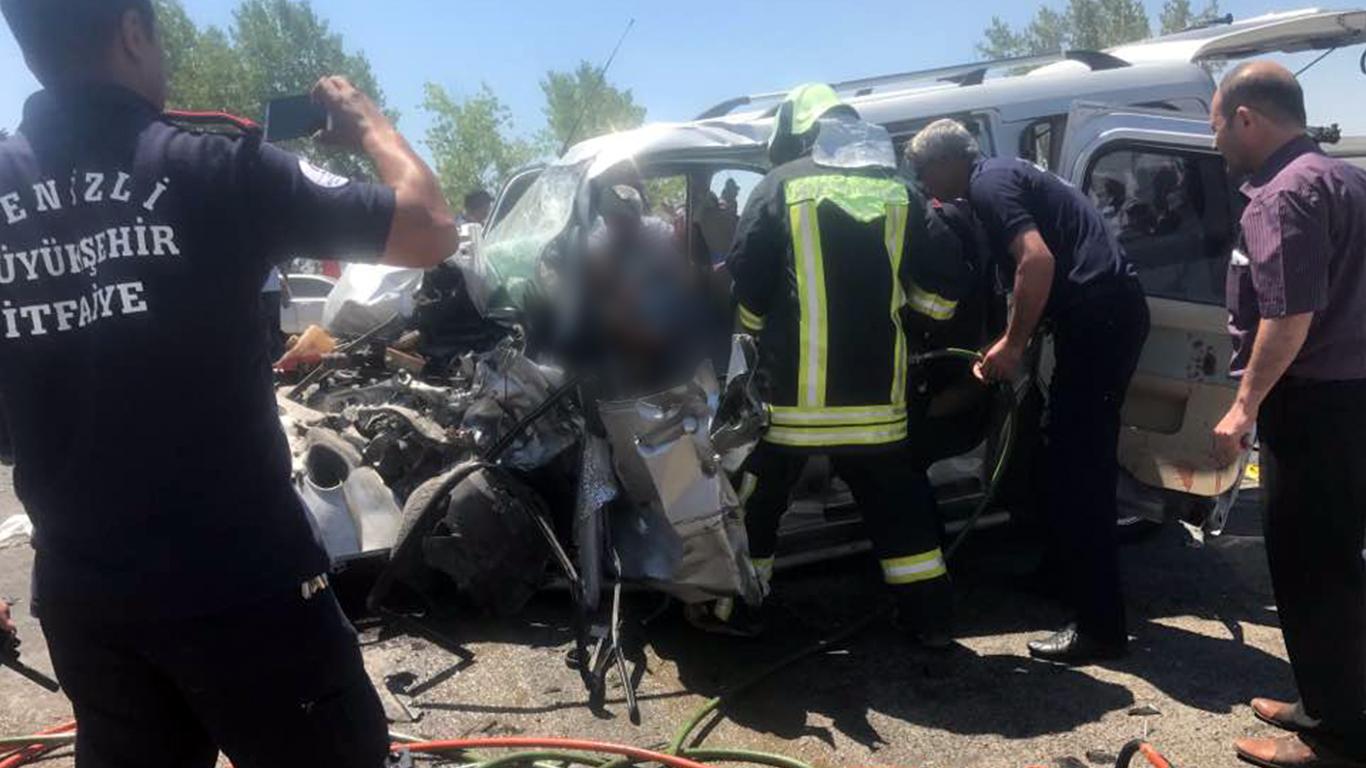 Bozkurt'ta feci kaza: 1 ölü, 5'i ağır 7 yaralı