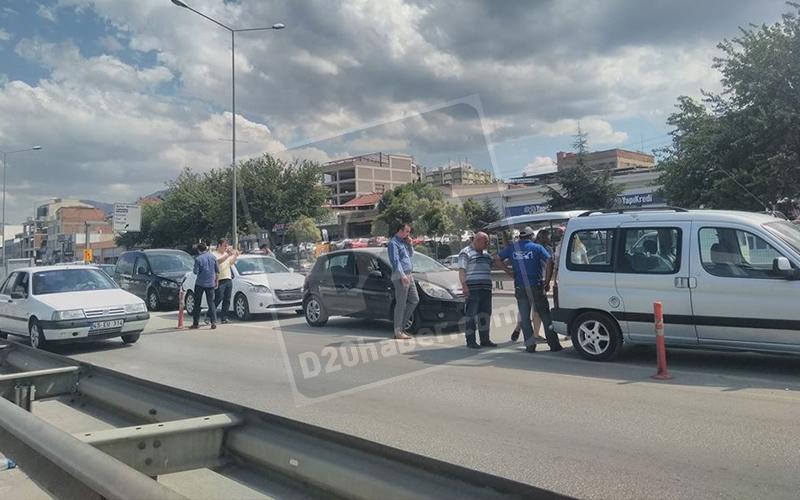 Sümer'de 7 araç çarpıştı