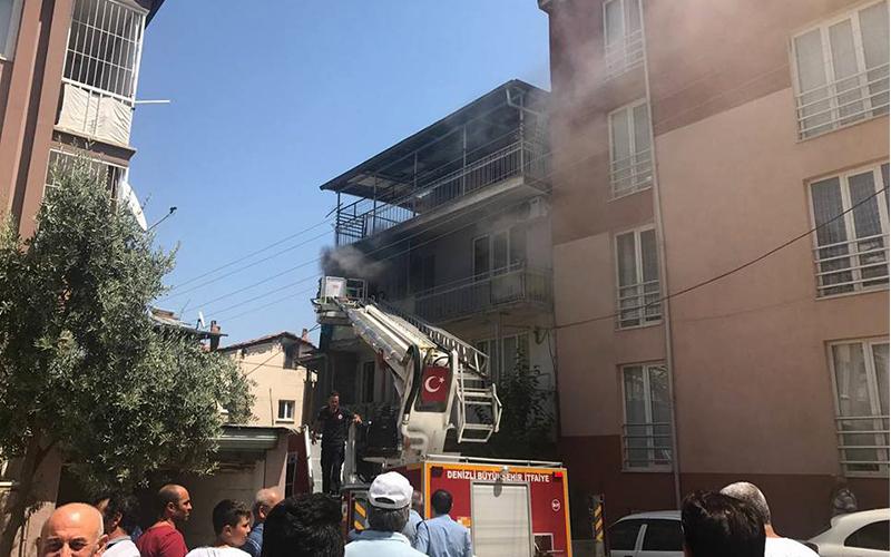 Akkonak Mahallesi'nde korkutan yangın