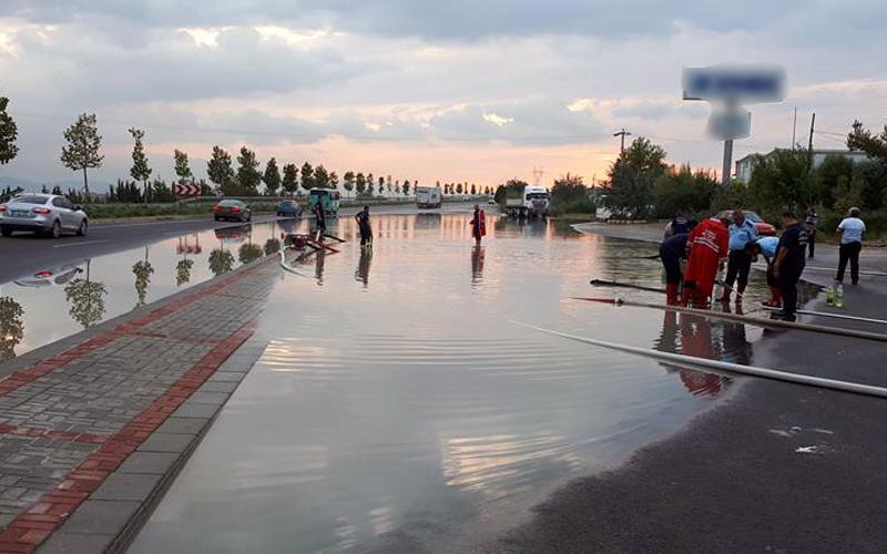 Denizli-Ankara karayolu göle döndü