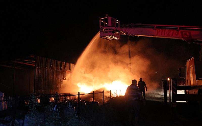 Denizli'de atık tesisi 3 yılda 3. kez yandı
