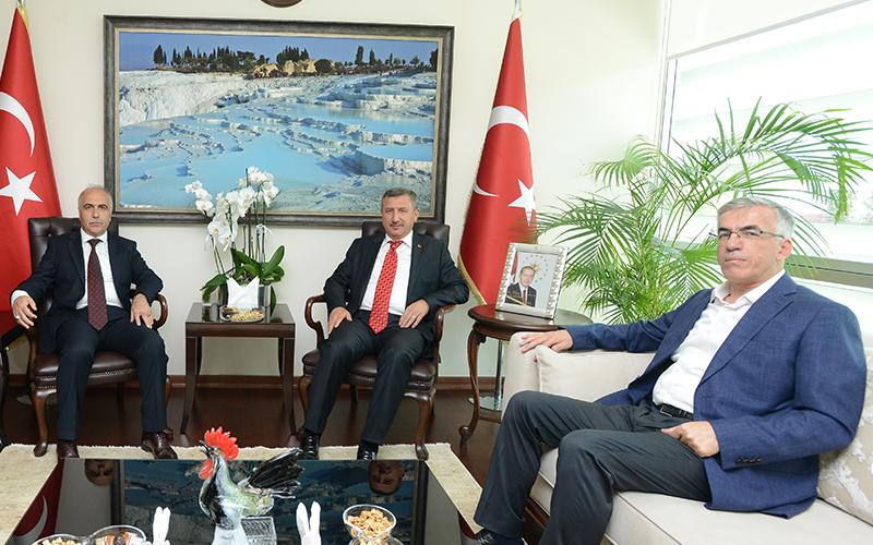 Burdur Valisi Yılmaz, Karahan'ı ziyaret etti