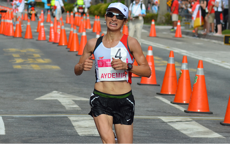 Esma Aydemir olimpiyat 2'ncisi oldu