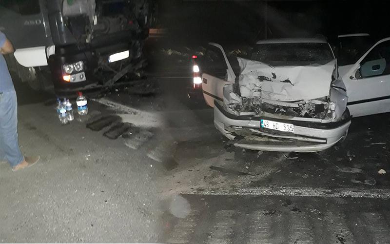 Denizli'de TIR ile otomobil çarpıştı: 1 ölü, 1 yaralı