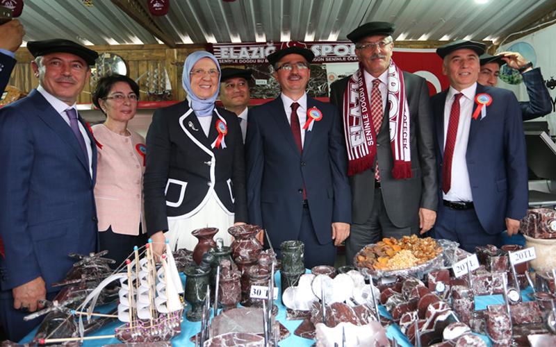 İşyurtları Ürün ve El Sanatları Fuarı Denizli'de açıldı