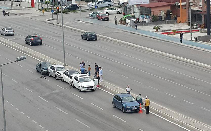 Lunaparkta çarpışan arabalar bölümünü aratmayan kaza