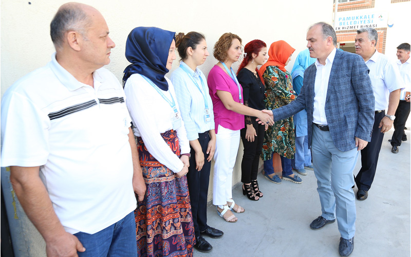 Başkan Gürlesin, Pamukkale Belediyesi personeliyle bayramlaştı