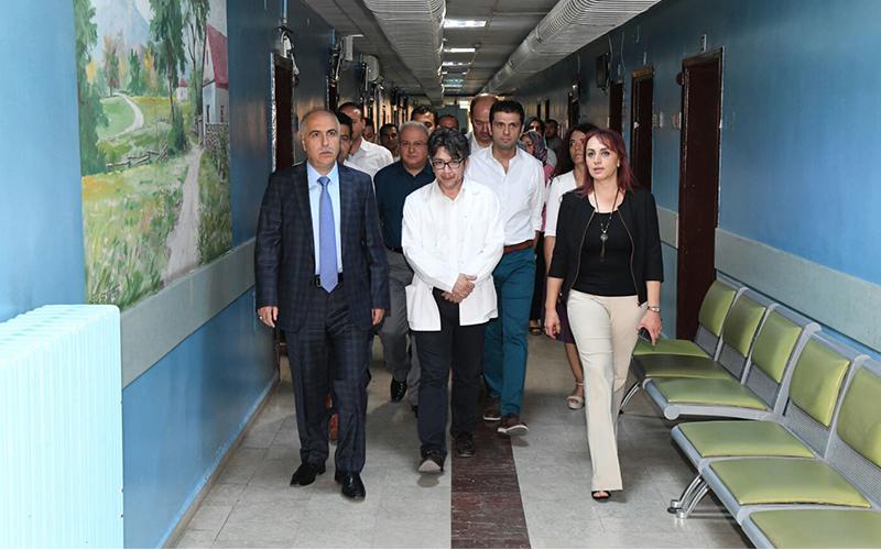Vali Karahan, Denizli Devlet ve Diş hastanelerini gezdi