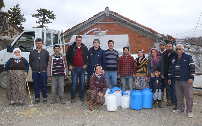Mehmetçik için süt kampanyası