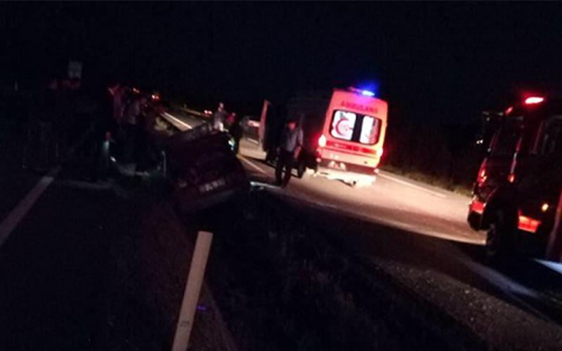 Otomobil kontrolden çıktı: 4 yaralı