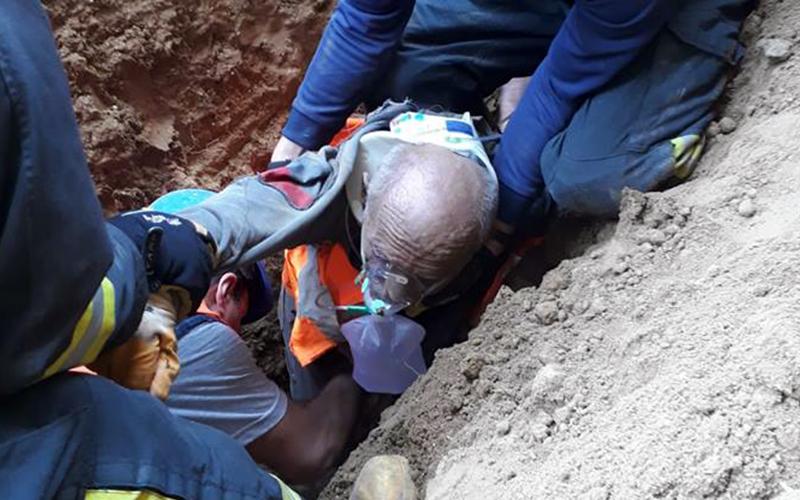 Göçük altından yaralı çıkarıldı ama kurtarılamadı