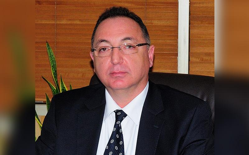 Öz: Fesli Kadir'in elini sıkanlara karşı Atatürk ilkelerini savunmak için adayım