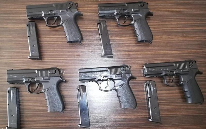 Denizli'de 5 tabanca 50 mermi ele geçirildi