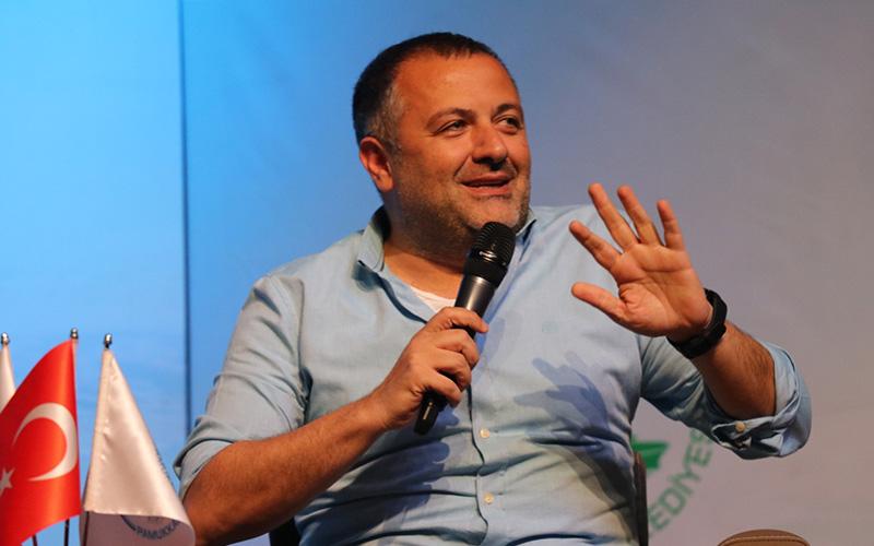 Mehmet Demirkol ve Ersin Düzen öğrencilerle buluştu