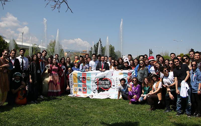 Üniversiteleri Denizli'de buluşturan Tiyatro Festivali