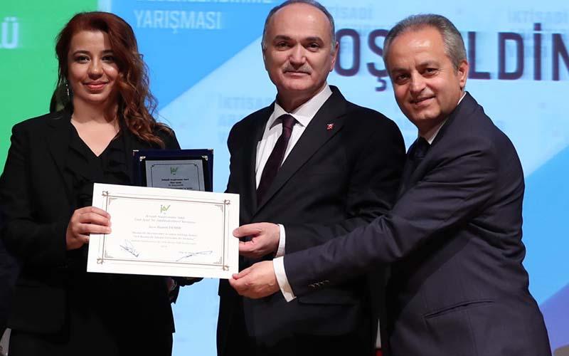 PAÜ'lü Akademisyen İAV 13. Ünal Aysal Tez Ödülü'nü kazandı
