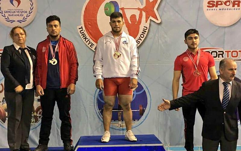 Genç halterci Mehmet Avcıl, şampiyonluğa abone