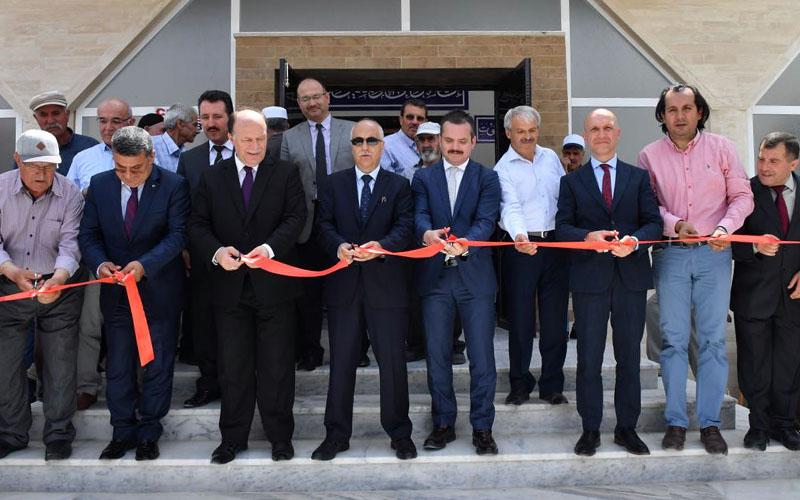 Kıblesi yanlış olduğu için yıkılan Ağalar Camisi yeniden ibadete açıldı