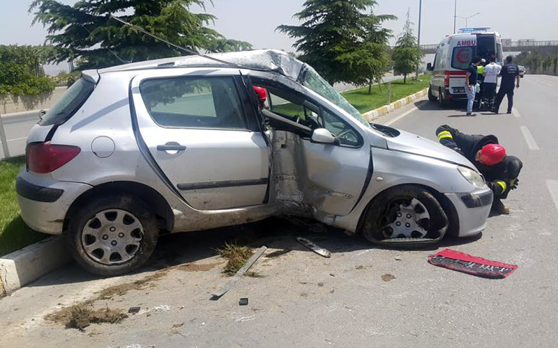 Askeri Saha Geçiş Yolu'nda trafik kazası