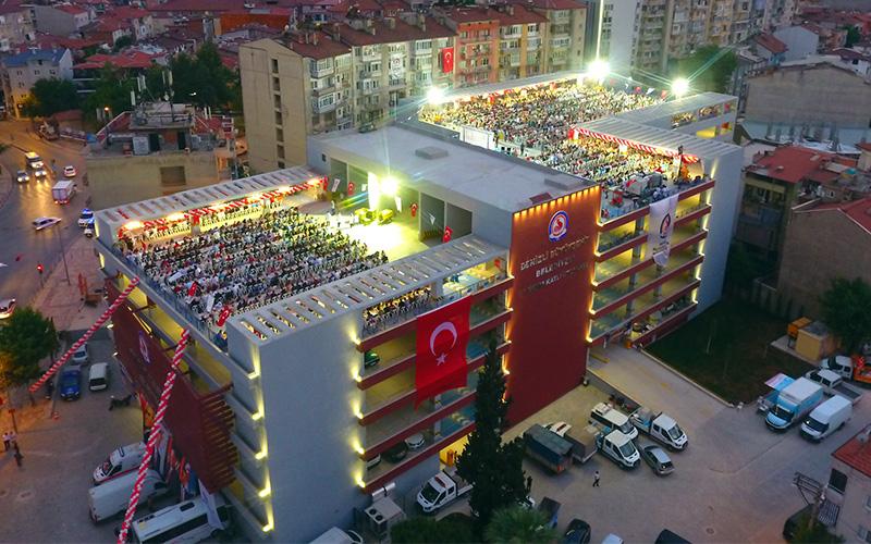 700 araç kapasiteli otopark hizmete açıldı