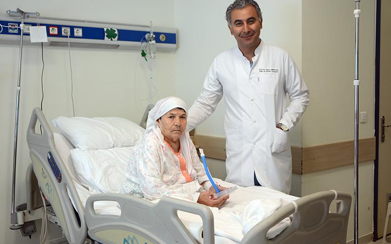 Karın ve sırt ağrısı şikayetiyle geldi, aort ameliyatı geçirdi