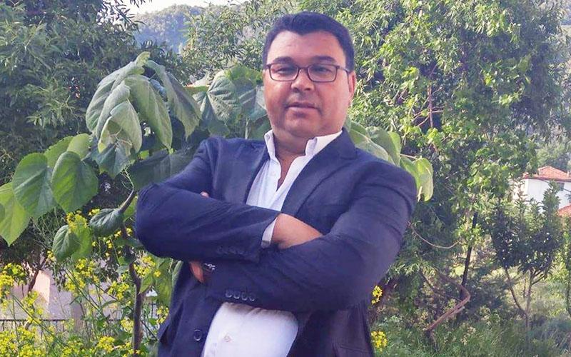 CHP'den meclis üyesi seçildi, AK Parti'ye geçti