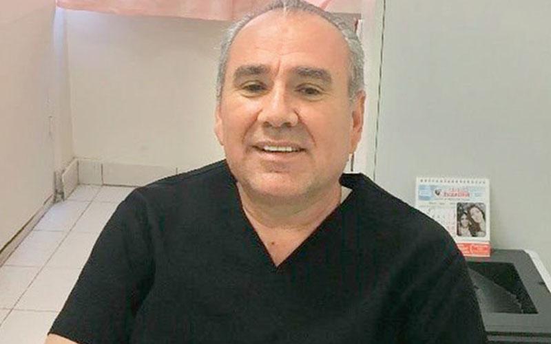 Denizlili Dr. Deniz, KKTC'nin tek adli tıp uzmanı