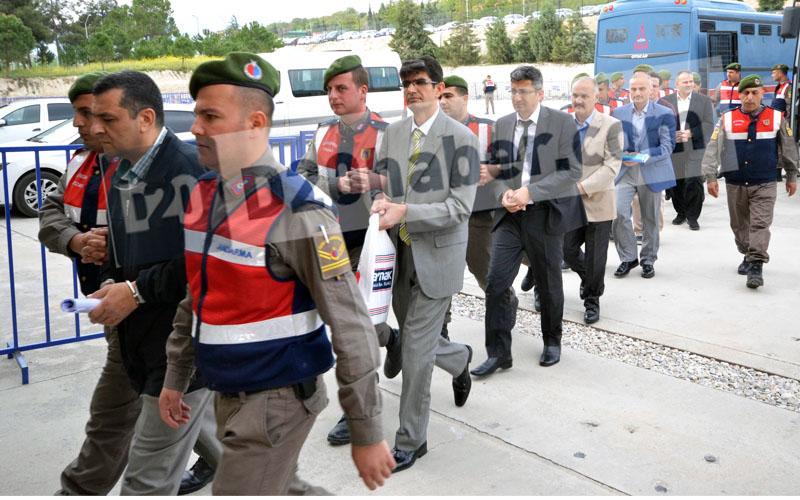 FETÖ emniyet yapılanması davasında 32 sanığa hapis cezası