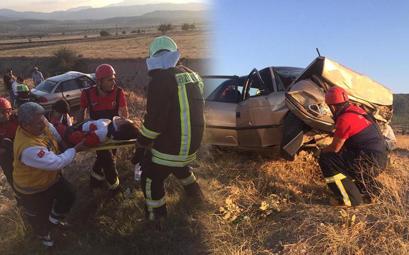 Otomobil tarlaya yuvarlandı: 2 ölü, 3 yaralı