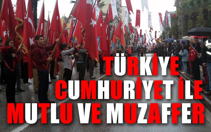 Türkiye, Cumhuriyet ile mutlu ve muzaffer