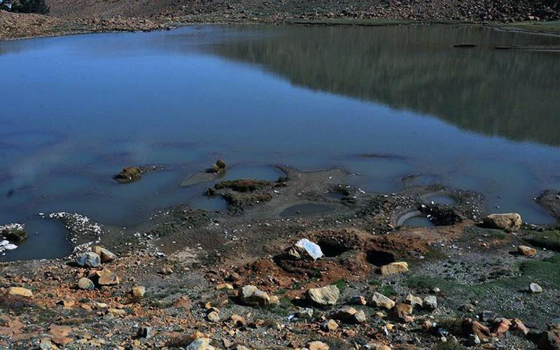 Kartal Gölü yine definecilerin hedefi oldu