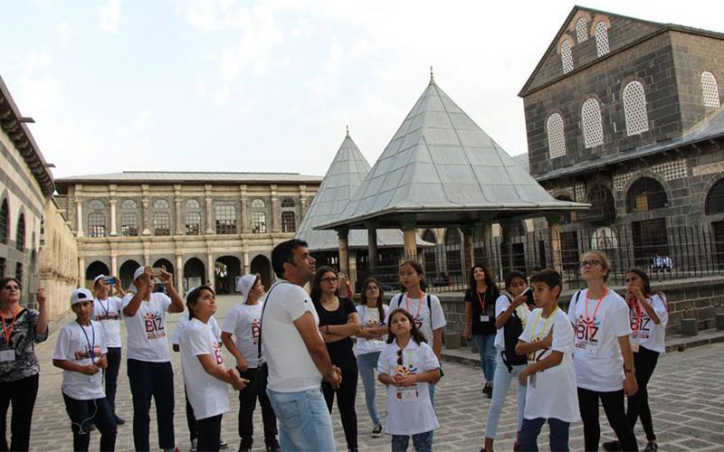 Şehit ve gazi yakını çocuklara Diyarbakır gezisi