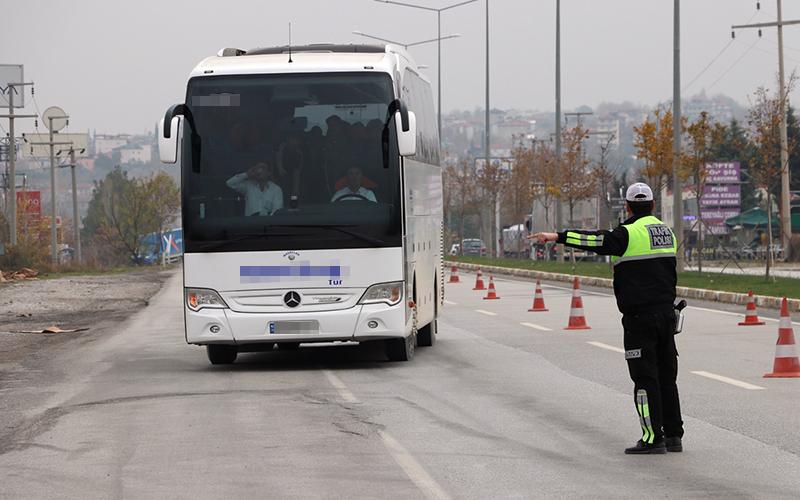 Denizli'de Kış lastiği takmayan 10 sürücüye ceza
