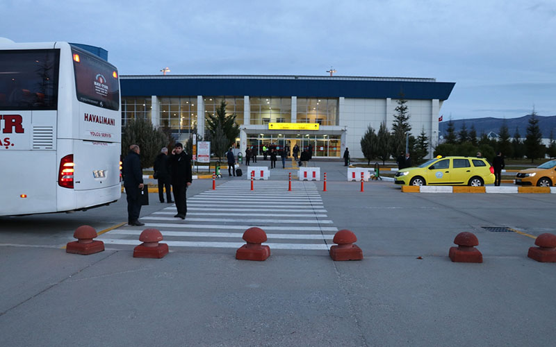 DHMİ Çardak Havaalanı için taksi ihalesine çıktı
