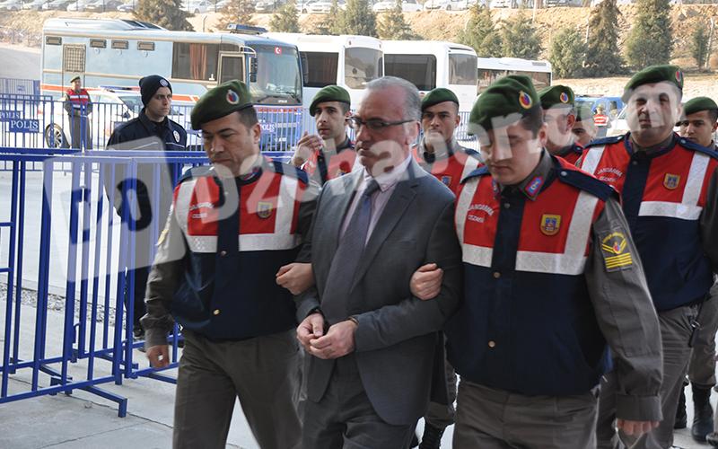 FETÖ'nün darbe girişimindeki Askerler Davası'nda 16 sanıkla ilgili karar bozuldu