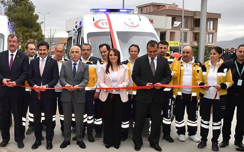 Çivril'e tam donanımlı 2 ambulans verildi