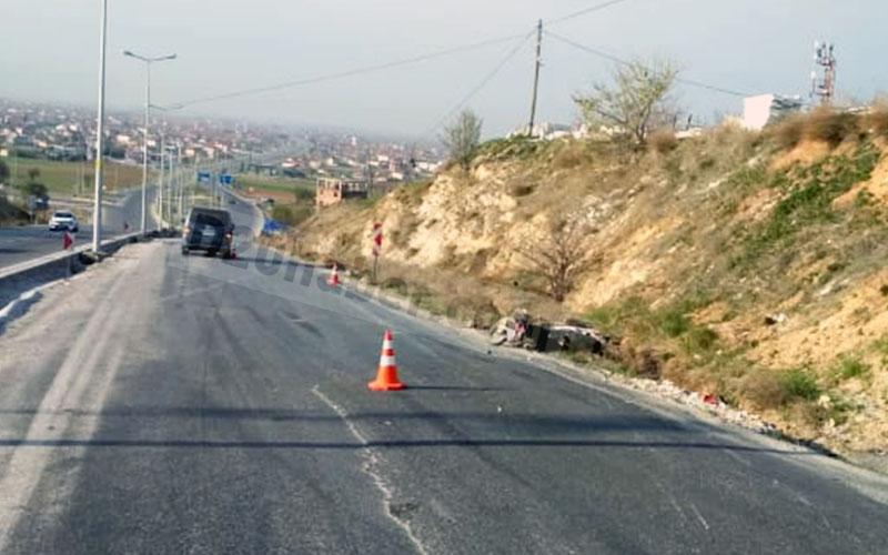 Minibüs, motosiklete çarptı: 1 ölü