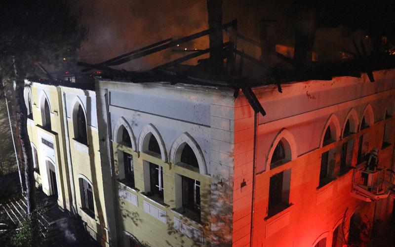 Akcan: Yangında sabotaj şüphesi var