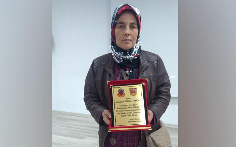 Öğrencileri taşıyan kadın yılın şoförü seçildi